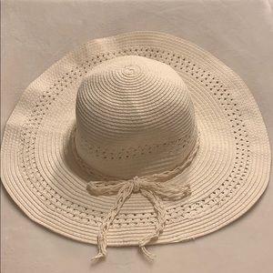 Accessories - Womens Sun Hat
